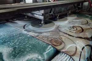 Ankara Halı yıkama firması olarak halı temizliğinde son teknoloji makinelerle hizmet vermekteyiz. Halı yıkama da bitkisel bazlı antibakteriyel halı yıkama şampuanları kullanılmaktadır.