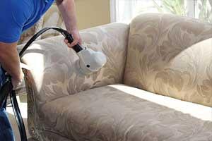 Ankara koltuk yıkama kapsamında kaliteli temizlik maddeleri ve deneyimli ekibimizle koltukları yıpratmadan, kumaşını deforme etmeden temizleme işlemini gerçekleştiriyoruz.